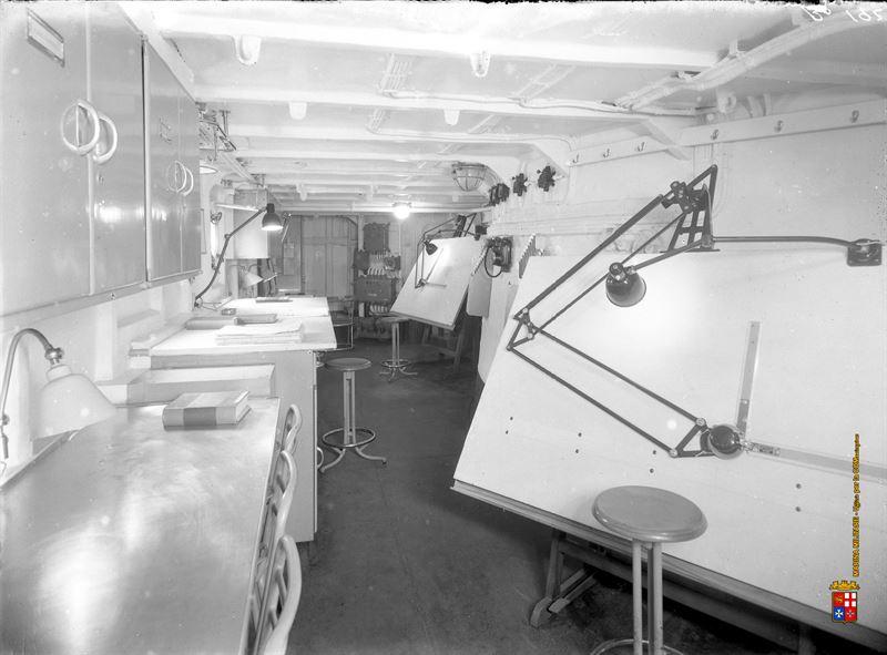 Seldom interior images of italy 39 s wwii battleship roma for Design interni roma