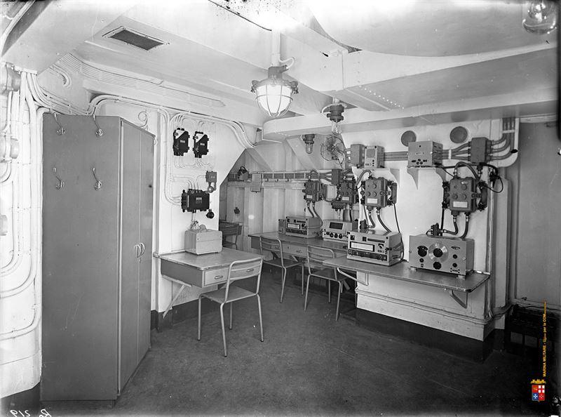 Seldom interior images of italy 39 s wwii battleship roma for Interior designer roma