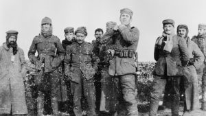German soldiers with men of the Royal Warwickshire Regiment in no man's land, Christmas 1914