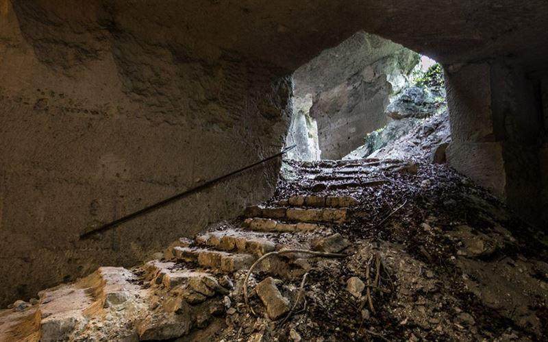 Carrieres de Montigny, abandoned underground hospital.