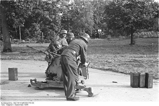 German 2 cm FlaK in Arnhem, 1944.