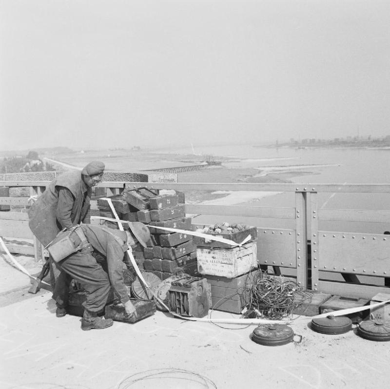 Nijmegen and Grave 17 - 20 September 1944: British engineers removing the charge which the Germans had set in readiness to blow the Nijmegen bridge.