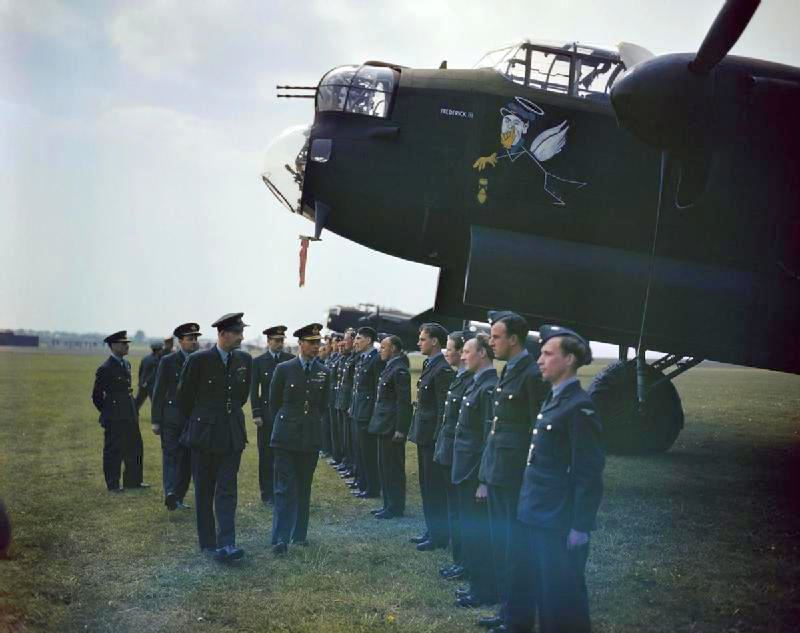 The_Visit_of_HM_King_George_VI_to_617_Sqn_(The_Dambusters)_1943