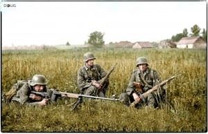 """German soldiers with a Panzerbüchse 39 """"tank hunting rifle model 39"""" on the Eastern Front. c.1941"""