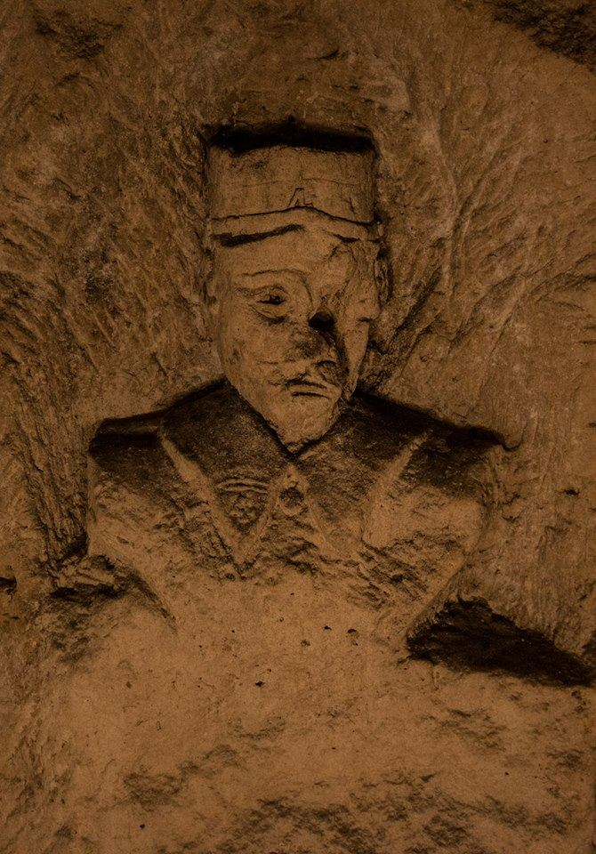 "The broken faced soldier. We don't know if the broken face was made in purpose or not. As the ""broken faces"", the hardly injured soldier of WW1, was already numerous at the very beginning of this war."