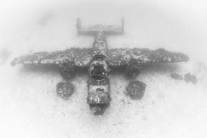 WWII Airplane Graveyard - B-25 Mitchell wreck in Kwajalein Atoll (Credits: Brandi Mueller for Argunners)