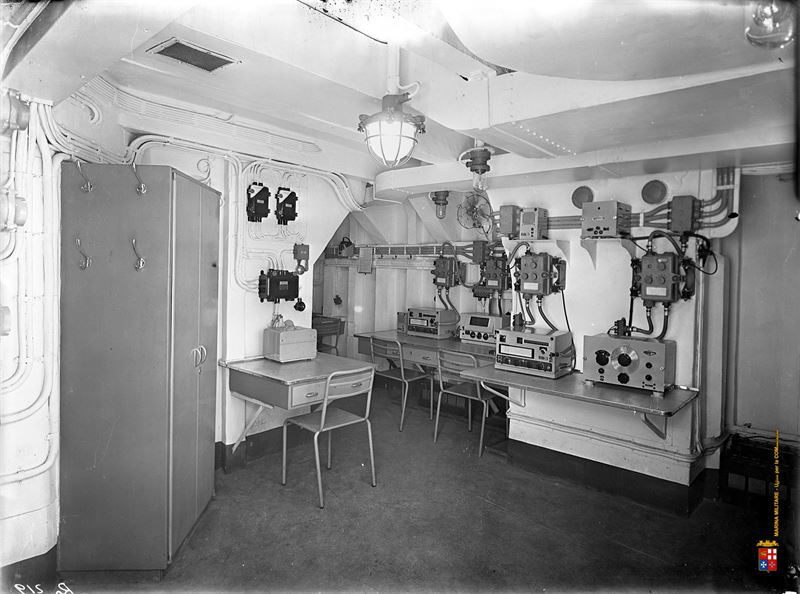 Seldom interior images of italy 39 s wwii battleship roma for Images of interior