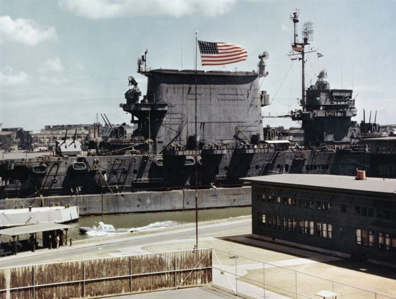 The U.S. Navy aircraft carrier USS Saratoga (CV-3) moored at Ford Island in Pearl Harbor, Hawaii (USA), circa in June 1945.