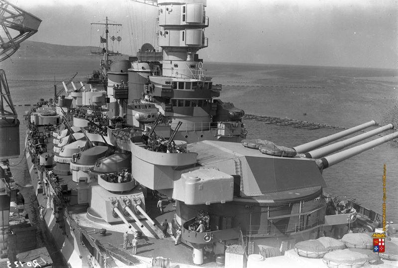 battleship-roma-deck-guns-and-turrets-4.
