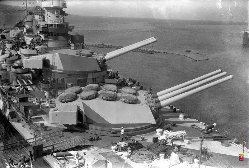 battleship-roma-turrets.jpg