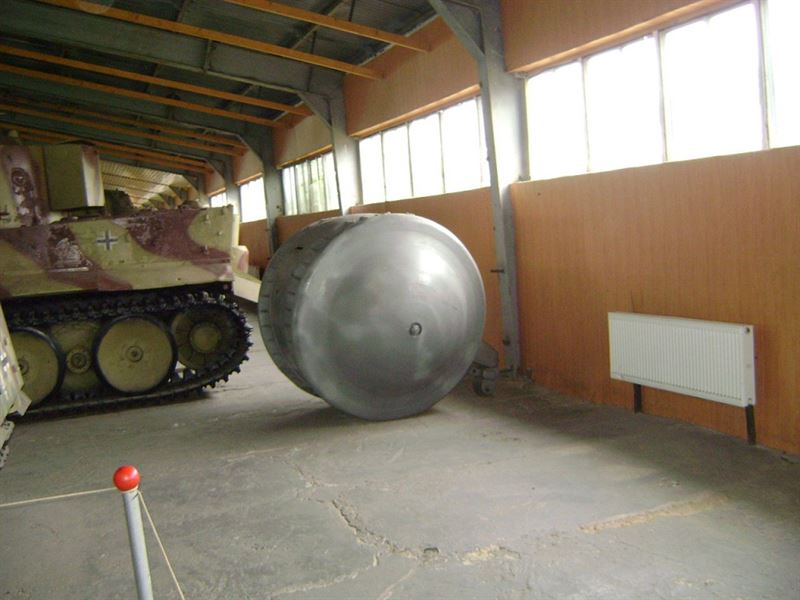 "Sideview of the ""Kugelpanzer"" at Kubinka Tank Museum (Credits: Wikimedia Commons)"