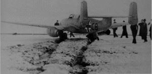 An He 280 prototype at rest after skidding off the runway. The He 280 could arguably be called the first turbojet powered fighter aircraft in history even though it never entered production. (Credits: Bundesarchiv)
