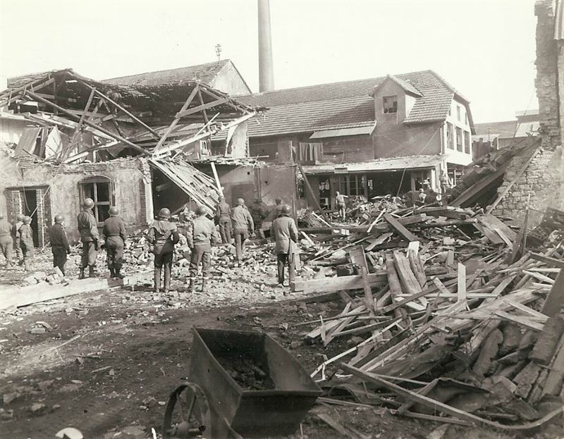 """Damage done, when a German 280mm shell landed in the area around 0345 hours. General Palmer wrote: """"Shell from Railway did this. Not far from where I live. 5 bigger ones hit about 150 yards from my place the others .. (?). One blew the door in on my caravan. The place was a mess. Nice guys!"""""""
