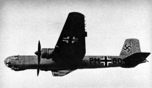 A Heinkel He 177 V5 heavy bomber prototype in flight, 1942/43. (Credits: U.S. Navy)