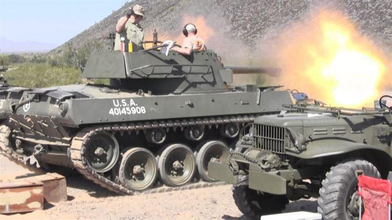 watch m18 hellcat tank destroyer firing. Black Bedroom Furniture Sets. Home Design Ideas