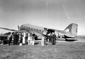 Dakota Mk.III, serialled KG310 served with 575 Sqn (coded I9) & 437 (Canadian) Sqn (coded Z2)