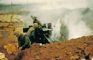 Marine Artillery Crew fires from Khe Sanh, 14 February 1968. (Credits: National Archives)