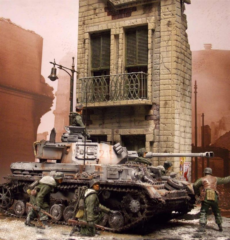 """""""Pzkw IV, Ausf G in Charkow, 1943"""" diorama created by Andreas Coenen"""