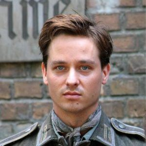 Tom Schilling as Friedhelm Winter