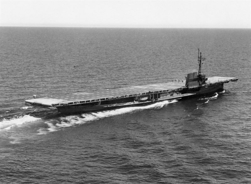 USS Sable (IX-81) underway on the Great Lakes, June 1945.