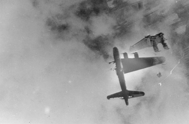 B-17G Wee-Willie 42-31333 LG-W, 323th squadron of 91st bombing group, over Kranenburg, Germany, after port wing blown off by flak.